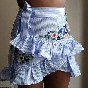Stripped frilly skirt